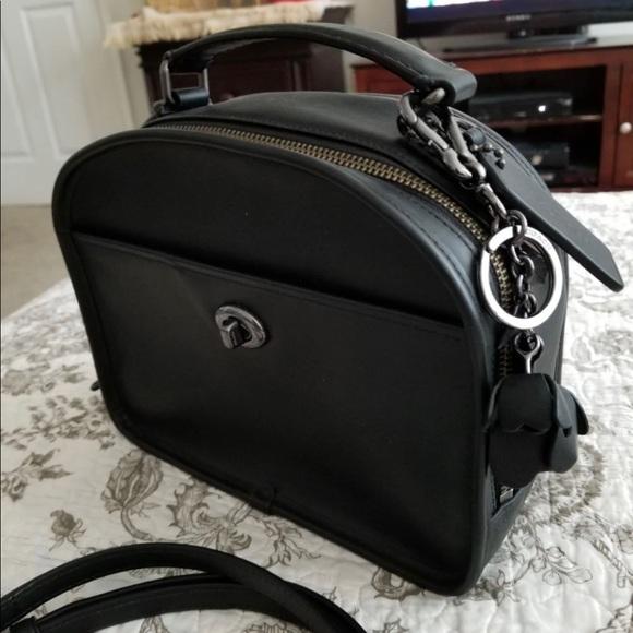 Coach Handbags - Coach lunch Pail satchel crossbody
